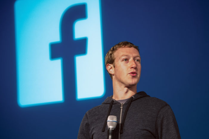 Facebook management: Zuckerberg says 'stepping down not the plan'