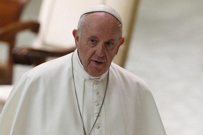Pope Admonishes Youths against Mobile Phone 'Addiction'