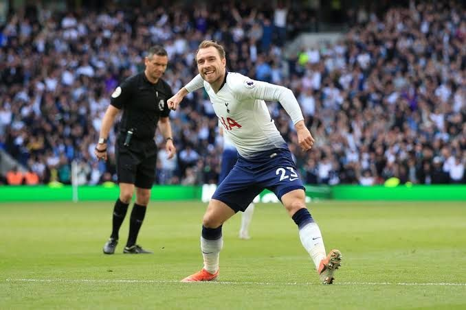 EPL: Tottenham Draw 2-2 with Everton to Finish Fourth