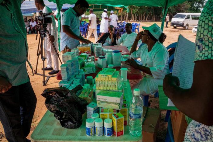 National Association of Seadogs Takes Free Medical Care to Dakibiu Village